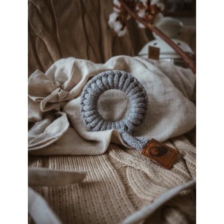 Hi Little One - gryzak sznurkowy Ring Teether wood and cotton Grey
