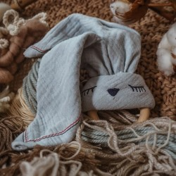 Hi Little One - gryzak bawełniano drewniany Bunny teether, wood and cotton strawberry