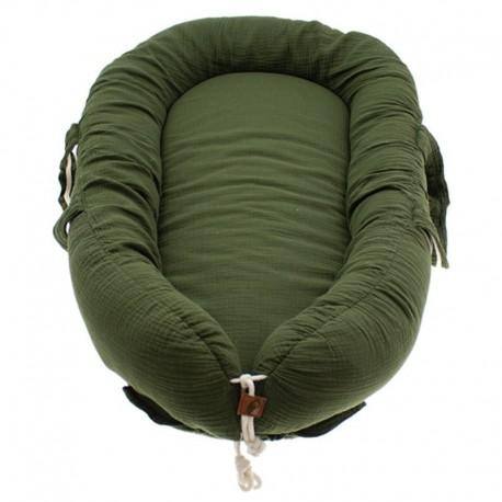 Hi Little One - Kokon gniazdko dla Noworodka z oddychającego muślinu NEWBORN NEST GREEN HUNTER
