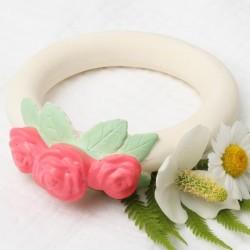 A Little Lovely Company - Gryzak organiczny z kauczuku hevea Pąki róży